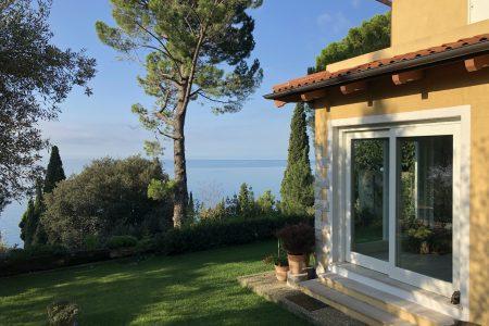 Villa bifamiliare vista mare a Trieste